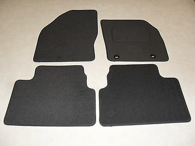Ford Kuga 2008-12 Fully Tailored Deluxe Car Mats in Grey.