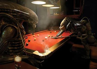 ALIENS V PREDATOR PLAYING POOL POSTER Wall Art Photo Print Poster A4 A3