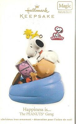 2011  Hallmark Ornament Happiness is   Peanuts Gang  Snoopy    New