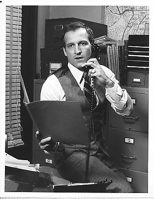 Daniel J. Travanti/hill Street Blues/ 7X9 Original Photo Cc23615 7-287