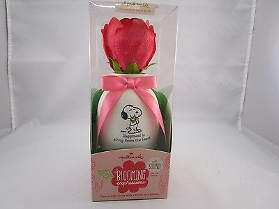 Hallmark Blooming Expressions Snoopy Mother's Day Valentine's Day Rose BLE1110