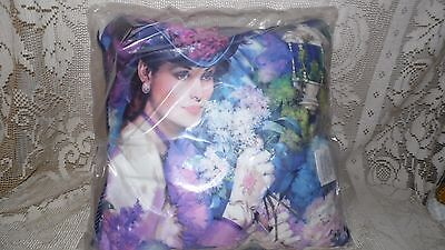 Mrs. Albee Victorian Lady Avon Pillow Presidents Club Members Signed New In Bag!