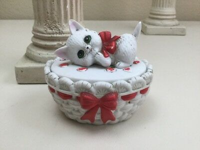 Vintage Lefton Trinket Box White Kitten On Basket With Hearts Ceramic Figurine