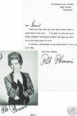 Pat Pheonix Actress Hand Signed Vintage Photograph and Granada TV Letter 5 X 3