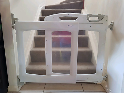 THE FIRST YEARS Baby Safety Gate Expanding 115cm Max Width PU NW Brisbane
