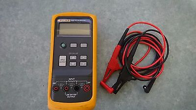 Fluke 712 RTD calibrator very good condition with leads, H80 holster