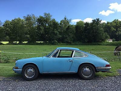 1968 Porsche 912 Coupe absolute original 1968 Porsche 912 in Crystal Blue. California Car.
