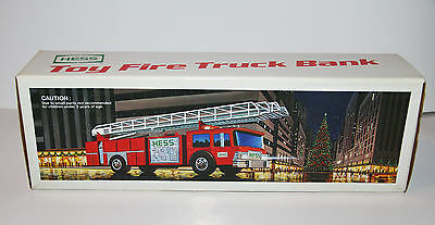 Vintage 1986 Hess Toy Fire truck Bank with Box