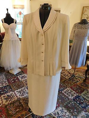 Gorgeous Plus Mother Of The Bride Or Groom Ivory 2-Piece Suit Soft Poly Size 18