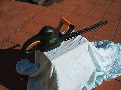 hedge trimmer  ozito 460a 520 watt blade length 460mm  cutting capacity:0-16mm