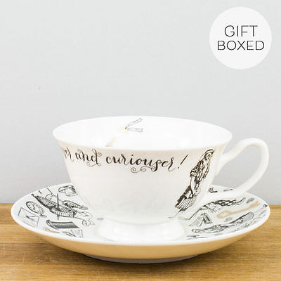 New V&A Alice in Wonderland Book Fine China Gift Boxed Teacup Cup & Saucer Set
