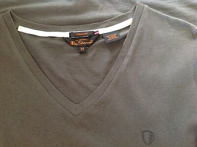 Ben Sherman greenish-brown size M v-neck t-shirt in VGC