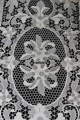 8 Point de Venise Placemats & 1 Runner, Beige, Needle Lace, No Stains. Gorgeous!