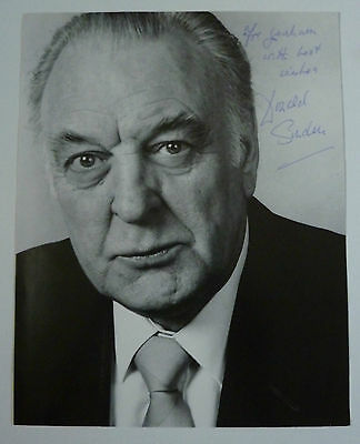 Donald Sinden British Actor Hand Signed Photograph 10 x 8