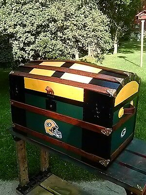 """BlackDog Antique Steamer Trunk Dome  StageCoach """"Green Bay Packers"""" Chest c:1800"""