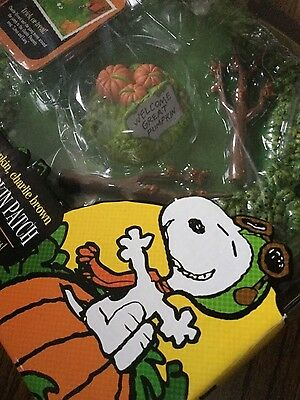 NIB Musical Peanuts GREAT PUMPKIN PATCH Moving Charlie Brown Snoopy Linus Lucy