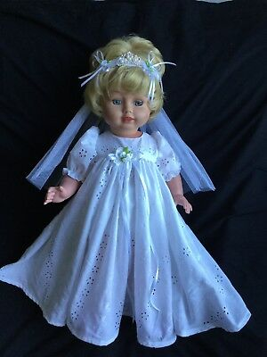 Pedigree Bride Doll Outfit. 3Piece.