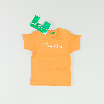 Camiseta color Naranja marca Benetton 6 Meses