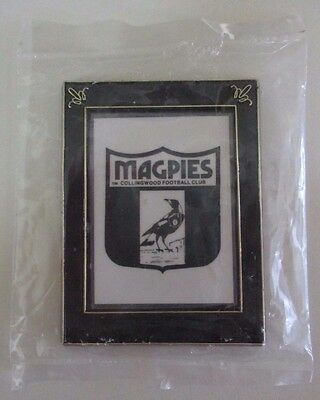 Collingwood Football Club - New Magnet - Framed Magpie in Shield - AFL - 1990s