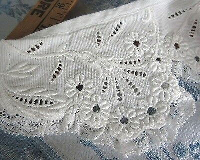 Antique Embroidered Collar Daisy Flowers White Lace Trim