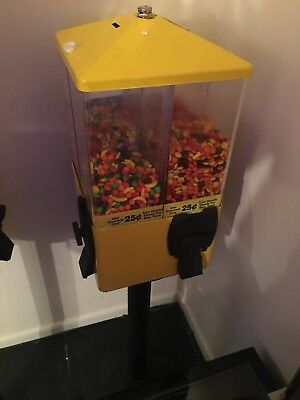 U TURN 4 Head Terminator Vending Machine Candy Commercial Gumball Toy