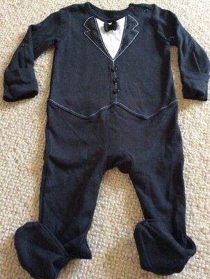 Gorgeous Baby Boys Tuxedo Mock Suit Babygrow All In One 3-6 Months