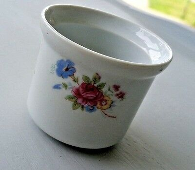 Vintage Porcelain Hot Tea Cup No Handle Hand Painted Floral Marked Li Ling China
