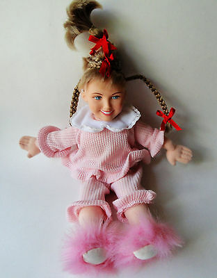 """Grinch Cindy Lou Who doll braids spin when squeezed Dr. Seuss 14"""" Universal"""