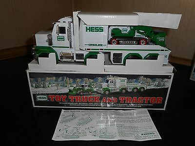 2013 Hess Toy Truck  And Tractor New Condition W/box Issue