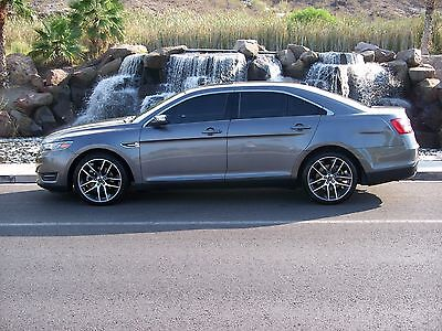 2013 Ford Taurus Limited 2013 Ford Taurus Limited - Fully Loaded with Low Miles