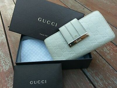 GUCCI ladies leather wallet - Authentic