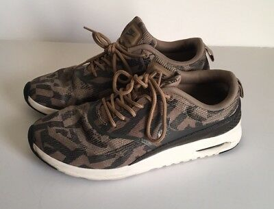 Nike Size 8 Camo Women's Shoes
