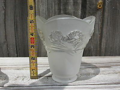 (1) Vintage Glass Light Fixture Sconce Bell Globe Frosted Scalloped