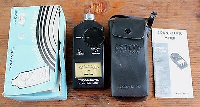 Realistic Sound Level Meter 33-2050 with Case & Manual