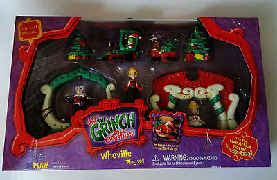 Grinch Dr Seuss Whoeville playset diecast chassis train Cindy mayor Universal