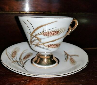 Antique set of 6 Wheat Pattern Cups & Saucers