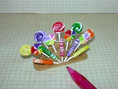 Miniature Lola Originals Candy Shop Lollipop Fan Display: DOLLHOUSE 1/12