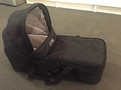 Mountain Buggy Duet Carrycot Bassinet