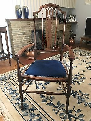 5 Sheraton Styled Vintage Dining Chairs Plus 1 Carver