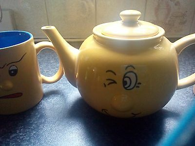 Cups and Teapot Set