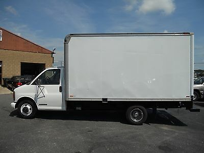 1999 GMC Other  1999 GMC SAVANNA 3500 14 FT BOX DIESEL