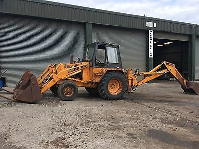 Case 580 F Construction King digger Backhoe with 4 in 1 bucket