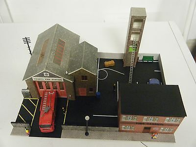 Model Railway Diorama of Superquick Fire Station 00 Gauge with Fire Engine & Car