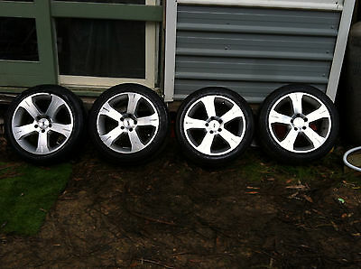 """17"""" Ford Mag Wheels with near new tyres (XD, XE, XF, ZK, ZL, EA, EB, ED, EF, EL)"""