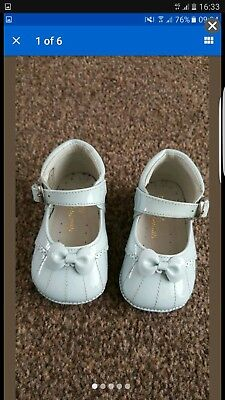 Pretty originals baby girl leather shoes UK 17