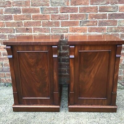 Beautiful Antique Pair Of Georgian Flamed Mahogany Bedside Cabinets, Lamp Tables
