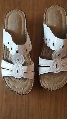 2f91087d7d05 LADY GODIVA COMFORT Wedge Sandals White Size 5.5 New in Box -  24.99 ...