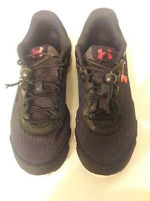 Under Armour Spine Boys Black Red Shoes Size 6Y