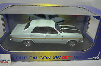 1:24 Ford Falcon XW GTHO in Diamond White Ozlegends Diecast model