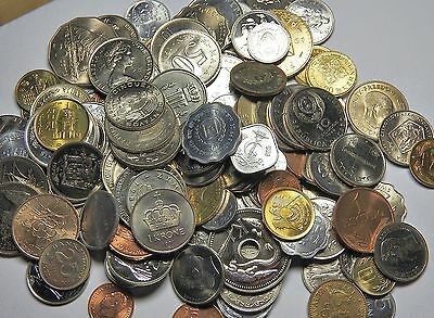 World Coins - A large Selection of Modern Coins (135 Coins,)